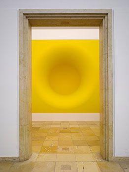 Anish Kapoor, Yellow, 1999,  Installation view Haus der Kunst, München  © Jens Weber, München l db artmag - all the news on Deutsche Bank Art / db artmag - alle Infos zur Kunst der Deutschen Bank