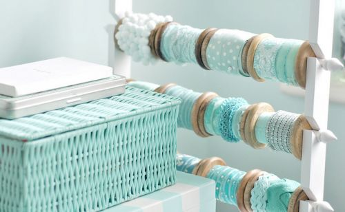Clever and pretty Ribbon Storage