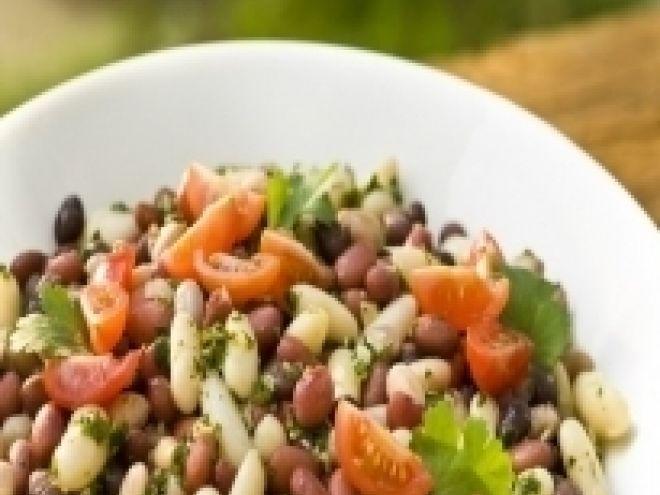 Receita Salada mista de feijão com tomate e coentro