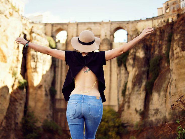 DIY-backless-shirt-5-lilmissboho.com