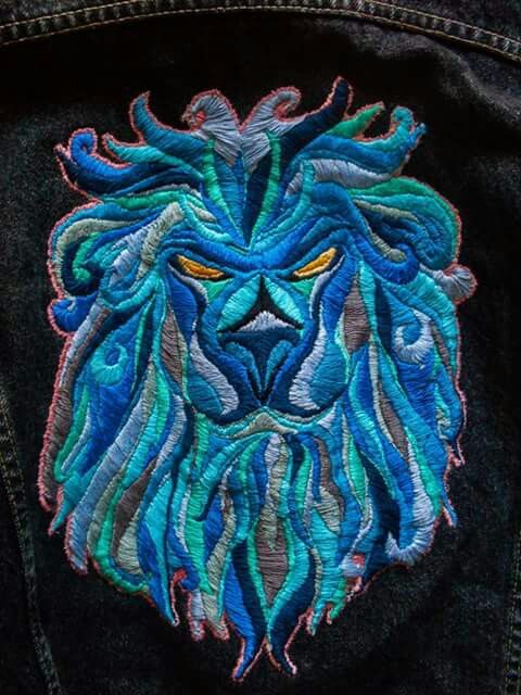 León azul    Blue leon Bordado   Embroidery   Hecho a mano   Hand made