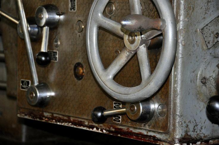 Hier finden Sie einde gebrauchte Drehmaschine mit Zubehör von Peter Busch Maschinenhandel Meuser Drehbank gebraucht kaufen