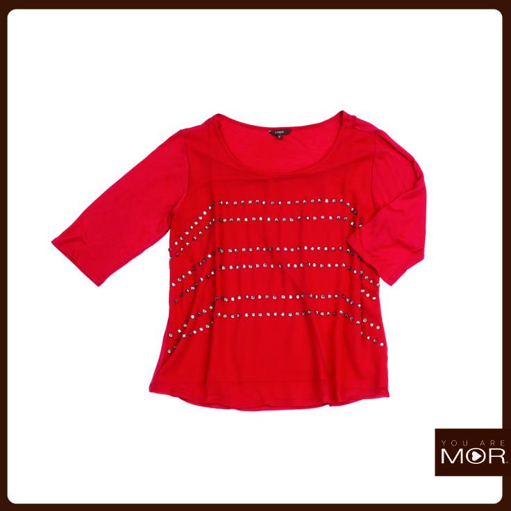 Polera roja cristales Cód. 42222 / Precio $29,990 *Hecha en India
