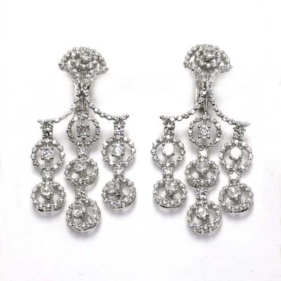 Damiani earrings in white gold and diamonds. Avaiable on our store