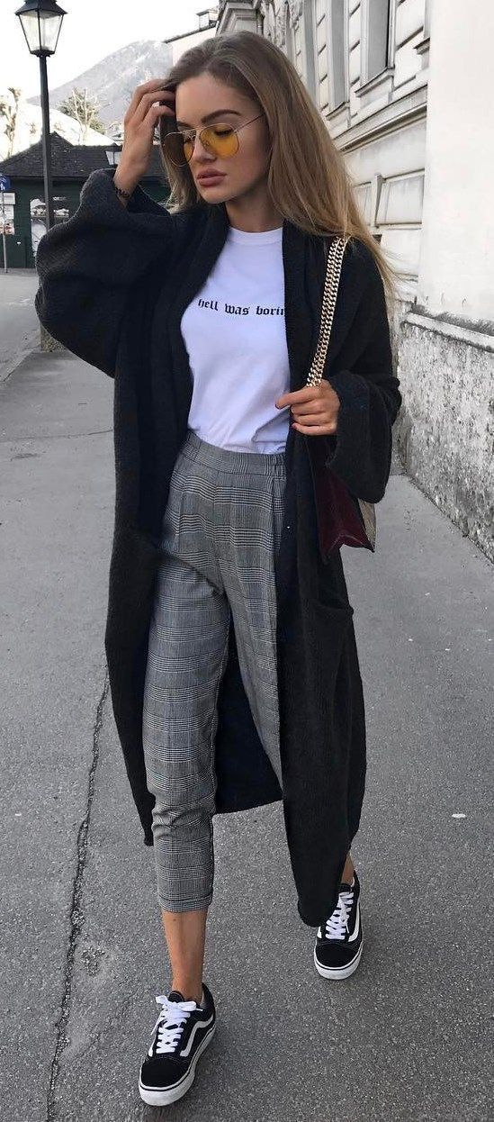Plaid pants outfit, graphic tee outfit, street style outfit ideas.
