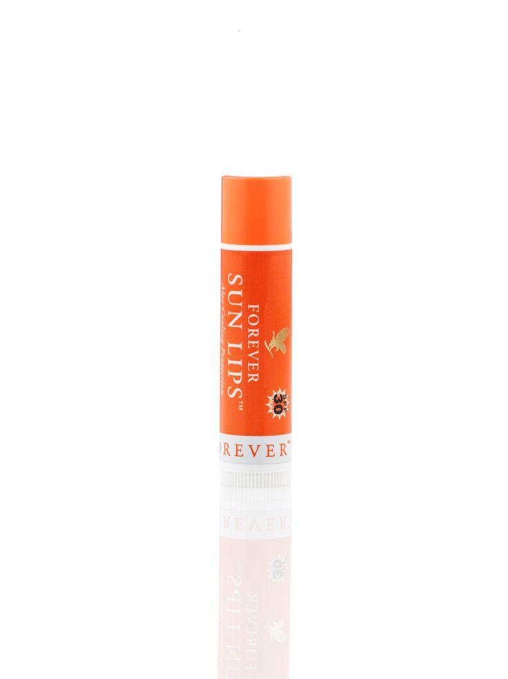 With its broad spectrum SPF30 sunscreen, Forever Sun Lips helps to protect against both UVA and UVB rays. /  Aloe Sun Lips is een kalmerende lip balsem die helpt om het delicate weefsel van onze lippen te beschermen tegen de zon en de wind, met de verkoelende sensatie van mint.