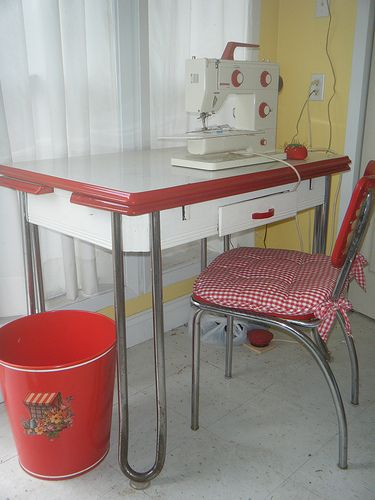 my sewing table - Kitchen Table Sewing