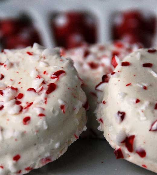 21 Christmas Candy Recipes You'll Love!