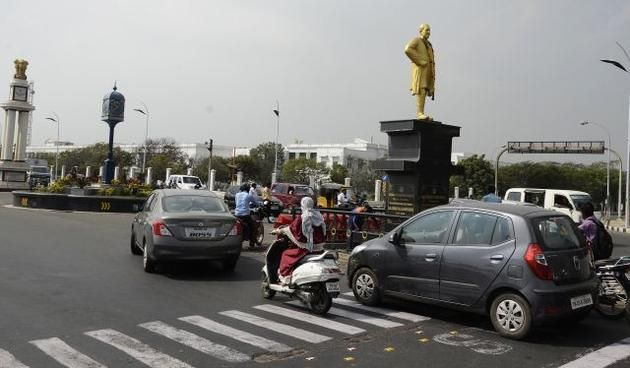 HC orders removal of Sivaji statue from Kamarajar Salai