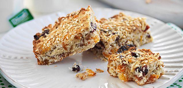 Baked coconut energy bars recipe