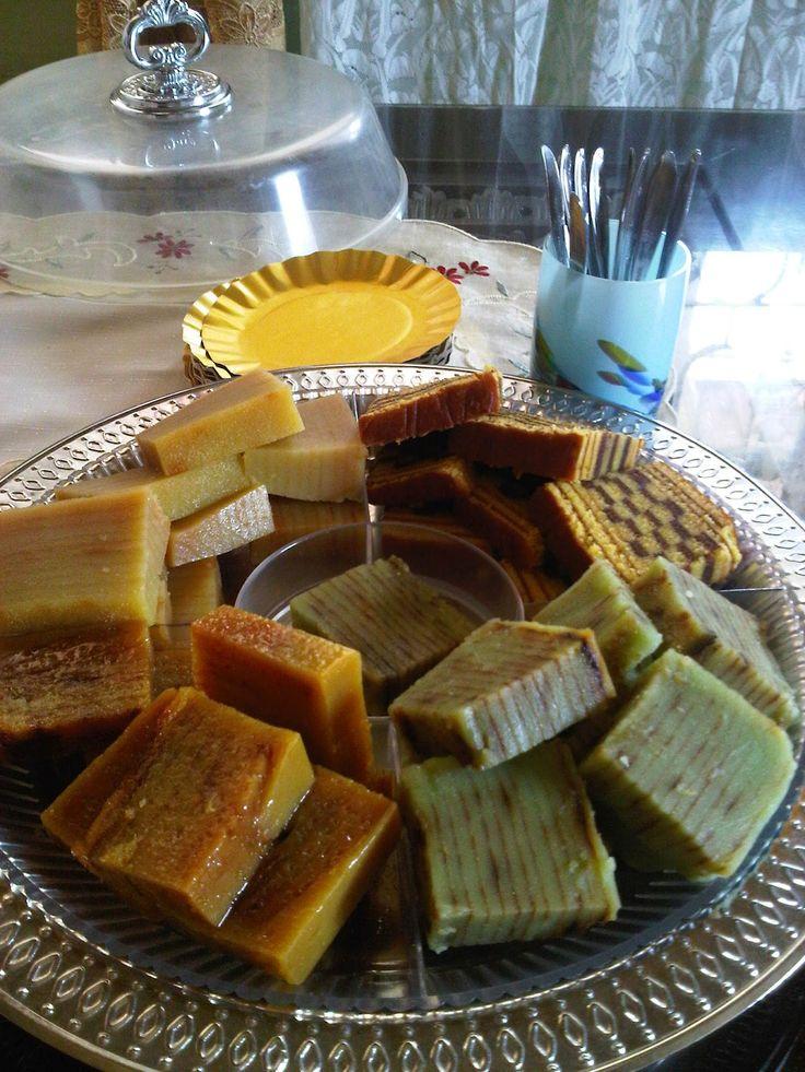 Kue maksuba adalah salah satu makanan khas Kota Palembang, Indonesia. Kue maksuba dibuat secara berlapis-lapis sehingga setelah selesai hasil kuenya berlapis-lapis mirip seperti pengerjaan kue lapis #Indonesia
