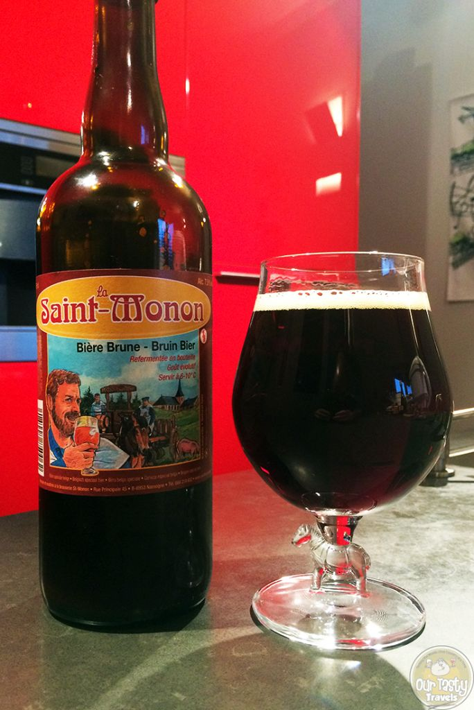03-Aug-2015: Saint-Monon Brune by Brasserie Saint-Monon. Sweet. Caramel and Malts. Even a little chocolate. Some bitterness, and an attempt for more. #ottbeerdiary