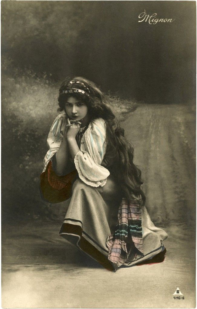 Pretty Vintage Gypsy Photo! - The Graphics Fairy