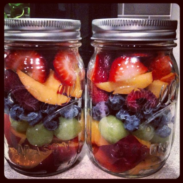 Mason Jar Fruit Salad - Prep everything on a Sunday and make jars for the week