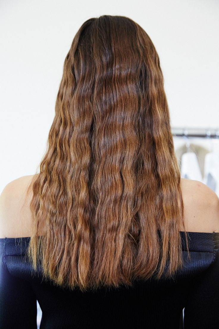 Recreate this trend from the catwalk by Adam Reed for Barbara Casasola SS16! Quick and easy to create at home, you can achieve these beautiful crimped waves without using heat.