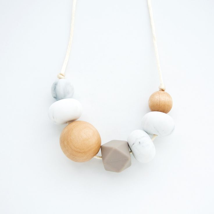 Modern teething necklace for moms with silicone and wood by Loulou Lollipop