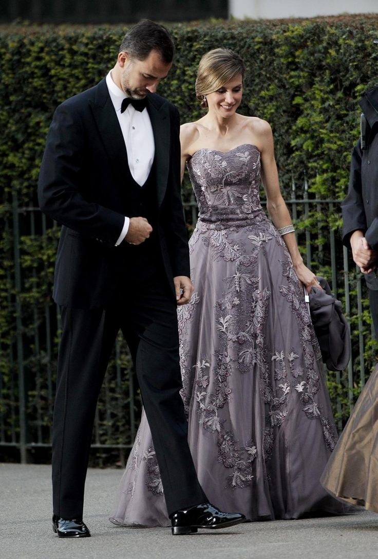 Princess Letizia wore an ornate lavender gown with a sweetheart neckline to a pre-wedding dinner celebrating Kate and Will's nuptials on April 28, 2011. It's not the first time she's rubbed shoulders with members of Britain's royal family ...