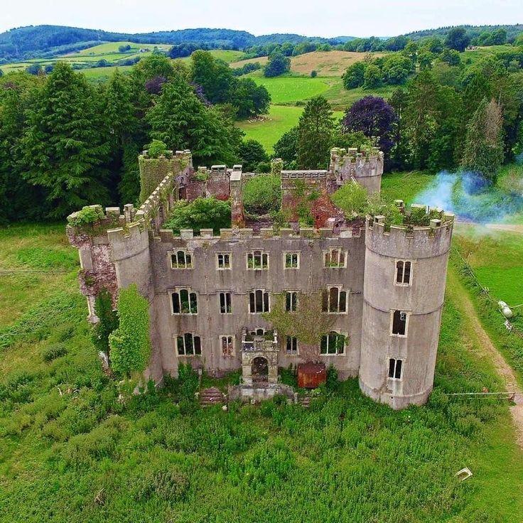 Abandoned Castle : AbandonedPorn #abandonedcastles