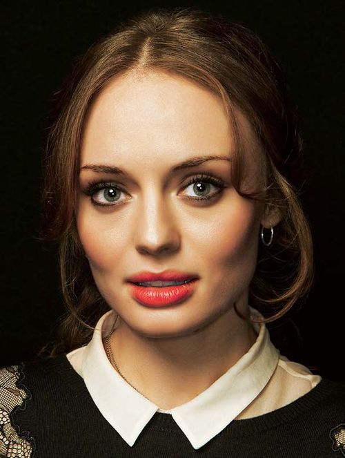 38 best images about laura haddock on pinterest broken relationships the beauty and friends hurt - Laura nue ...
