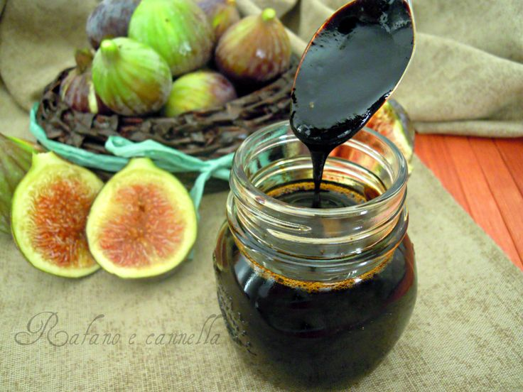 Il vincotto di fichi viene utilizzato soprattutto nel periodo natalizio per la preparazione di alcuni dolci tipici di quel periodo come le famose...