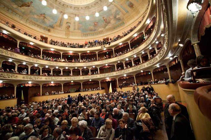 Audience at #Teatro Storchi in #Modena. Photo by Futura Tittaferrante