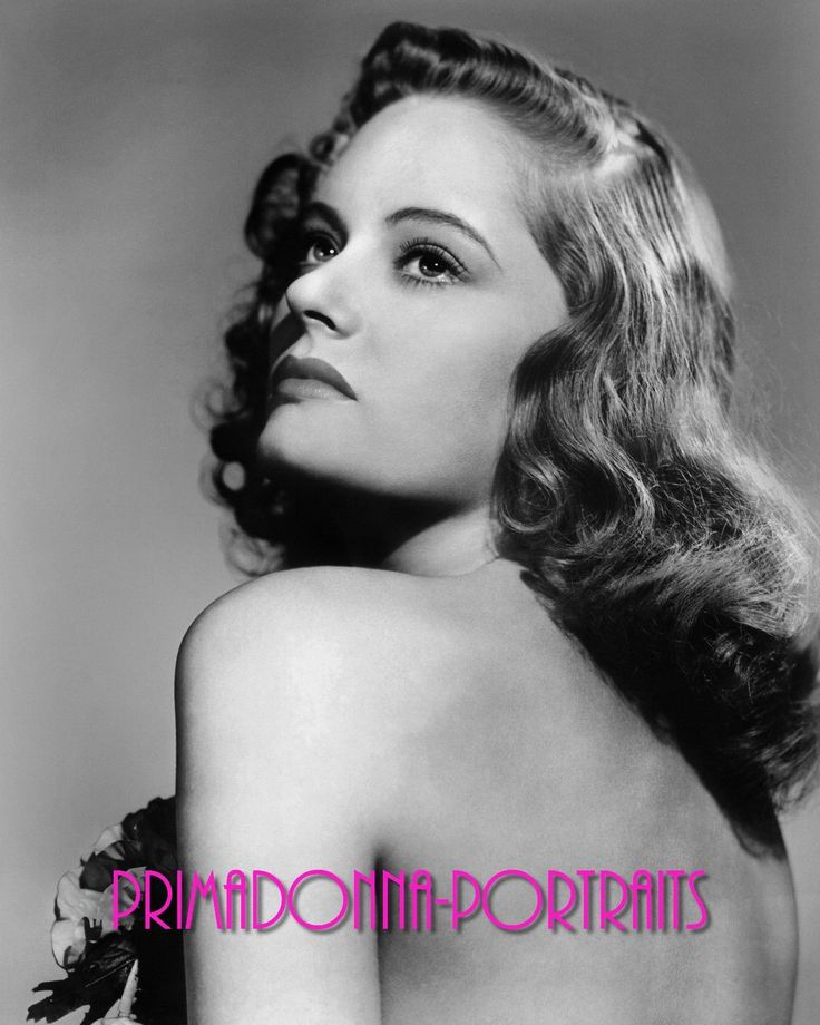Alexis Smith 8x10 Photo 1940s Bare Back Enchantress Seductive Elegance Portrait | eBay