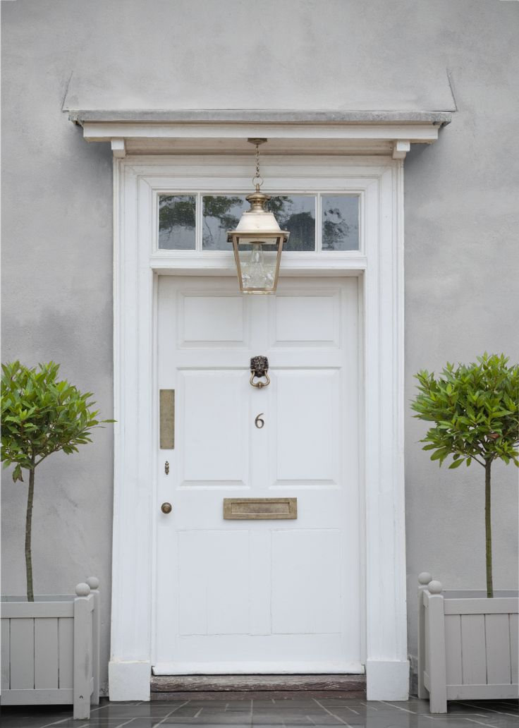 This #frontdoor has some beautiful #Brass #DoorFurniture by #JimLawrence