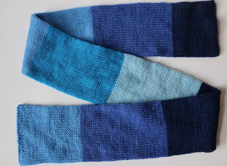 double-knit striped scarf by MaureyKnits on Etsy https://www.etsy.com/ca/listing/501869037/double-knit-striped-scarf