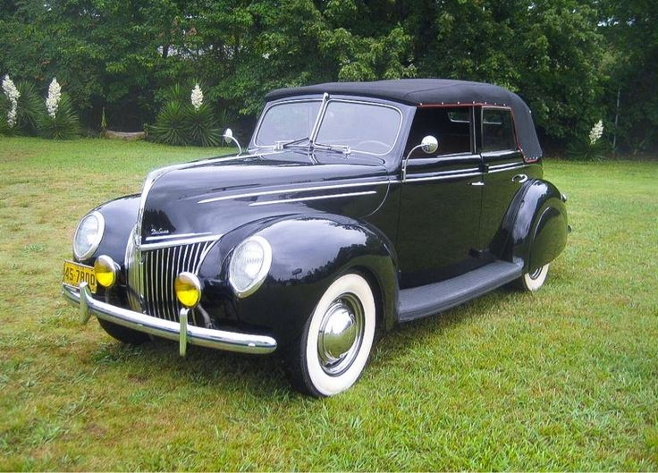 1939 Ford Special Deluxe 4 Dr Convertible....looks almost new....