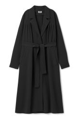 <p>The Corra Coat  is a straightwrap coat perfect for colder evenings. It has classic design details such as big lapels, raglan sleeves, pleated details at the front, two big side pockets and a long belt for wrapping.<br /><br />- The model is 178 cm tall and wears size small, that measures 133,50 cm in chest circumference, 115 cm in length and 73 cm in sleeve length.<br /></p>