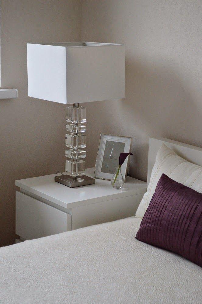 hálószoba, bedroom, zara home lamp, zara home picture frame, zara home blanket, h&m home vase, purple, beige, cala, ikea malm bed, ikea malm night stand
