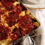 Versione campana dei tradizionali cannelloni con il ragù tipici della romagna,. Scopri come preparare questo primo piatto con Sale&Pepe.