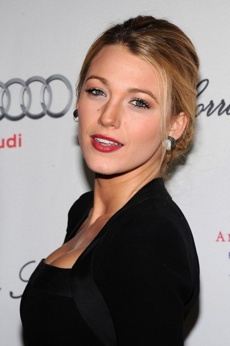 NEW YORK - OCTOBER 20: Actress Blake Lively attends the 2009 Angel Ball at Cipriani Wall Street on October 20, 2009 in New York City. (Photo by Bryan Bedder/Getty Images)