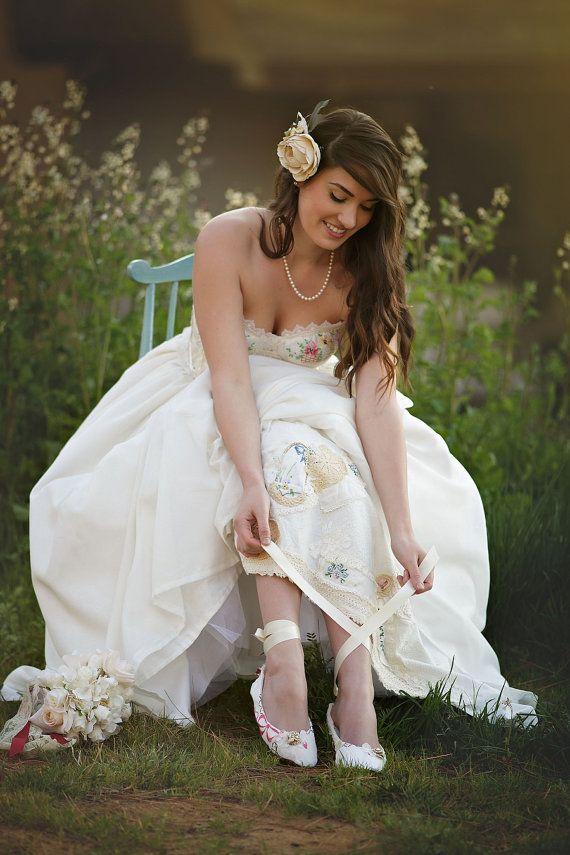 Zapatos de novia bordado Vintage cuentos por HopefullyRomantic