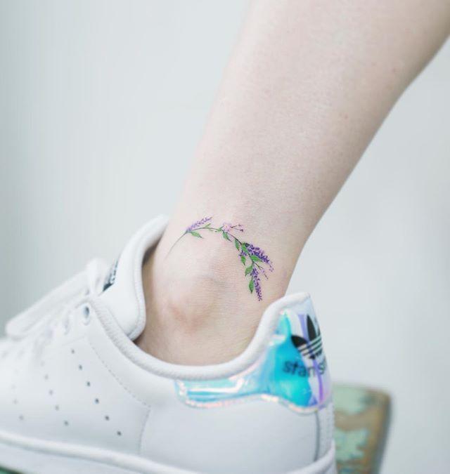 Minimalista flower ankle tattoo by Soltattoo.  #솔타투#soltattoo#tattooistsol