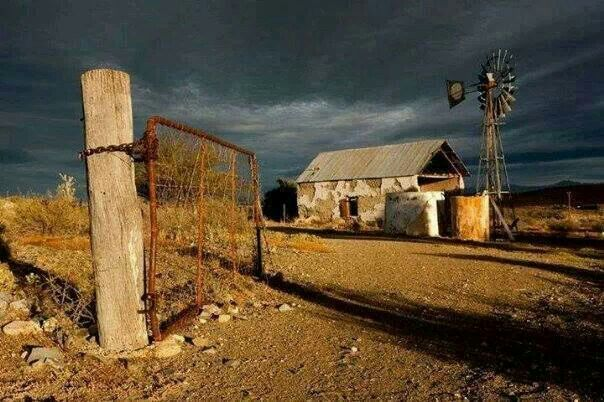cf53f39a450f422d6b0d44c82321b312.jpg (604×402) - Karoo farmstead
