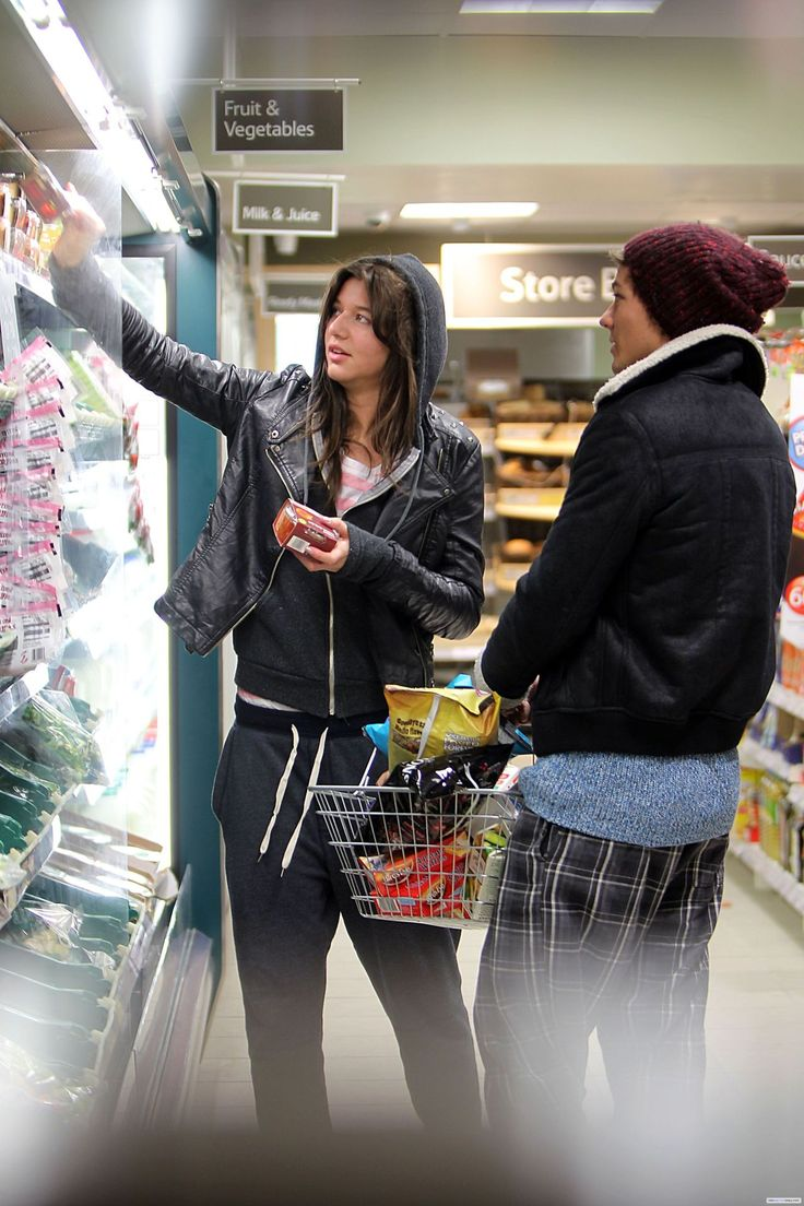worshippedlove: Poor Louis and Eleanor, they were so fucking unlucky. They were chased by paparazzi while they were shopping in Tesco!! I mean look at the exif data for these pics: Headline: Louis and Eleanor have the munchies Caption: MUST BYLINE: EROTEME.CO.UK One Direction Louis Tomlinson and his girlfriend Eleanor Calder appear to have the munchies as they stock up on junk food at their local Tesco grocery store. EXCLUSIVE February 2, 2012 Job: 120203L2 London, England ER...
