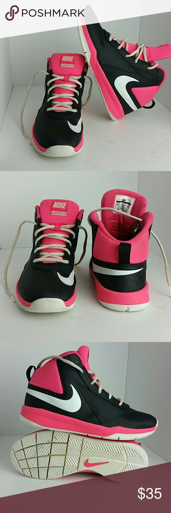 NIKE TEAM HUSTLE D7 WOMEN/YOUTH SHOES IN GOOD CONDITION   THIS IS A YOUTH SIZE 6.5Y WHICH IS WOMEN SIZE 8  SKE # TH NIKE Shoes Athletic Shoes