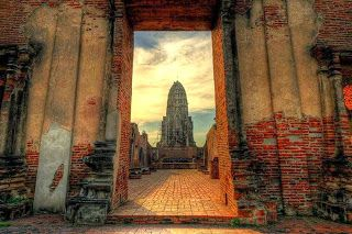 The Nicest Pictures: Wat Ratchaburana Prang in Ayutthaya, Thailand