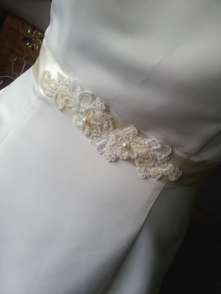 Hand made ivory bridal belt from Beautiful Unique