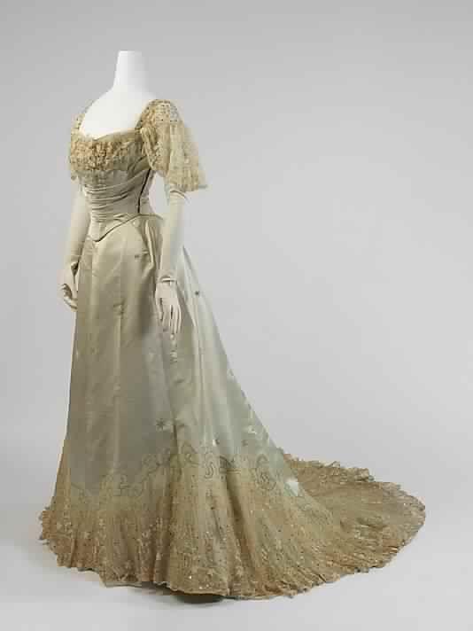 Modèle de robe victorienne