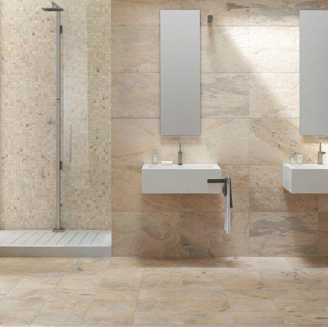 Keramische leisteen imitatie in de badkamer in 40x60 op de wand gecombineerd met mozaiek, prachtig! (48-DO) Tegelhuys