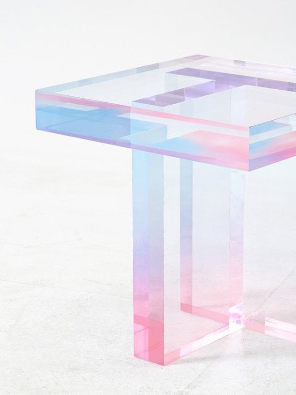In an attempt to express the natural impression of colour over artificiality, Korean designer Saero Yoon developed a particular dying technique on acrylic resin.