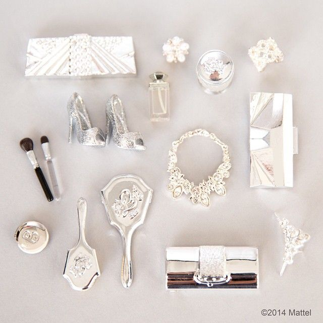 While preparing for the #GoldenGlobes red carpet I'm following a few key steps. Step One: take an inventory of your best accessories.  #barbie #barbiestyle