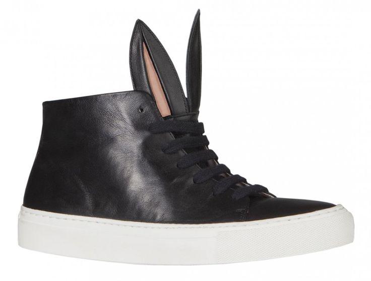 Minna Parikka bunny-ear trainers . Sneakers con orejas de conejo , zapas originales de Minna Parikka #mejorconorejas #coolhunting #calzado