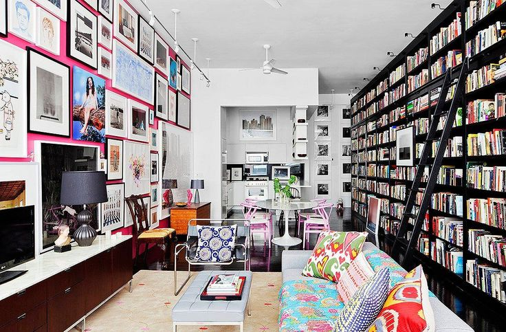 Wouldn't mind spending the day in this gorgeous room!