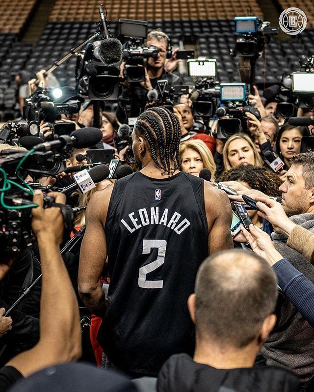 La Clippers On Instagram 𝟐𝟎𝟏𝟗 𝟐𝟎 𝐘𝐞𝐚𝐫𝐛𝐨𝐨𝐤 𝐕𝐨𝐥 𝐈𝐈 Kawhiweek In 2020 La Clippers Nba League Basketball Players