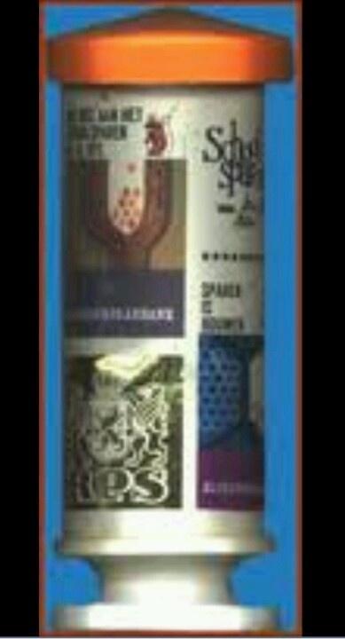 Spaarpot. Staat nog bij mij in de kast. De spaarpot ging mee als ik geld ging storten op mijn bankrekening.
