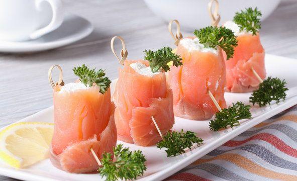 Roladki łososiowe z serkiem mascarpone