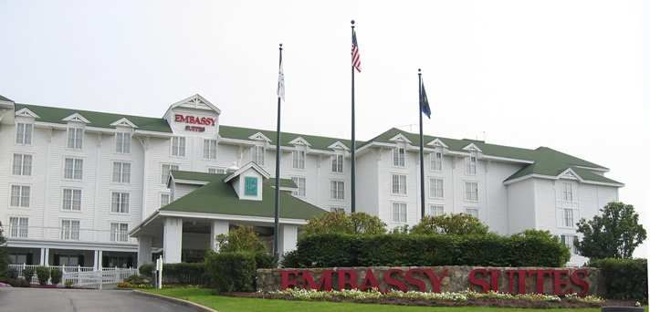 Embassy Suites Pittsburgh - International Airport Hotel, PA - Front of Hotel